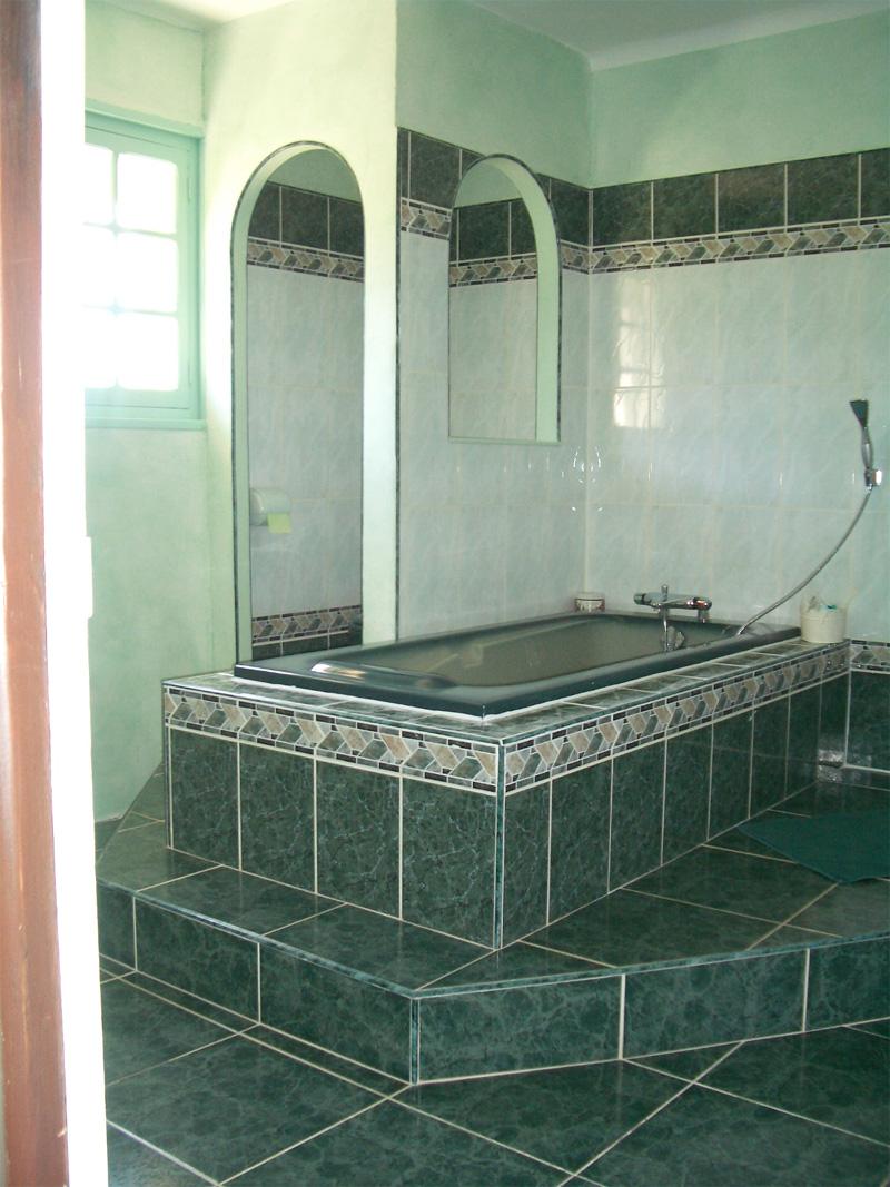 domaine de l 39 ille sainte rose. Black Bedroom Furniture Sets. Home Design Ideas